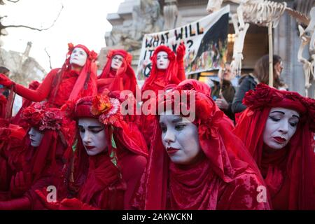 London, UK, Friday 10 Jan 2020: Extinction Rebellion protestors outside the Australian HIgh Commission on the Strand in London, demanding more action from the Australia government and Prime Minister Scott Morrison to reduce climate change and provide a professional fire brigade to combat the bushfires currently ravaging the Australian countryside. Credit Anna Watson/Alamy Live News