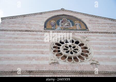 Romanesque Basilica Cattedrale di San Feliciano (San Feliciano Cathedral) on Piazza della Repubblica in historic centre of Foligno, Umbria, Italy. Aug - Stock Photo
