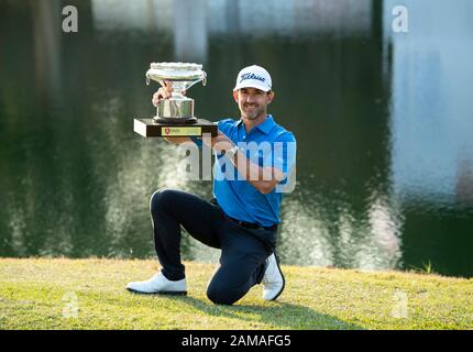 Fanling, Hong Kong, China. 12th Jan 2020.Hong Kong Open Golf Final Round. Wade Ormsby of Australia wins the 61st Hong Kong Open Golf 2020.Ormsby holds the cup. Credit: HKPhotoNews/Alamy Live News - Stock Photo