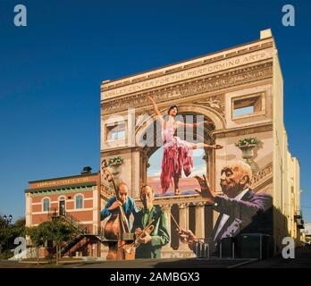 Tribute to Architecture and Performing Arts mural by Duane Flatmo at Arkley Center for Performing Arts on F Street in Eureka, California, USA - Stock Photo
