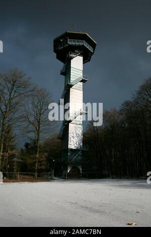 Aussichtsturm am Dreiländereck Deutschland-Belgien-Niederlande, Plombieres, Provinz Lüttich, Belgien - Stock Photo