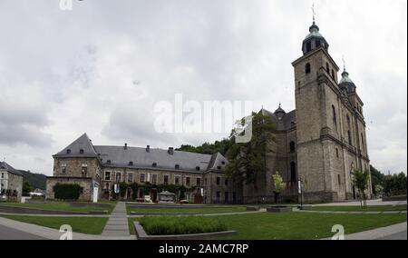 St. Peter, Paul und Quirinius Kathedrale mit ehemaliger Benediktiner-Abtei,  Malmedy, Provinz Lüttich, Belgien - Stock Photo