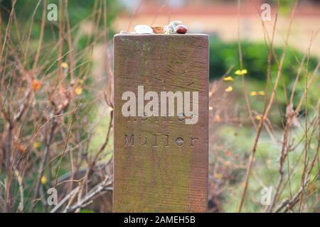 Grab Heiner Müller, Dorotheenstädtischer Friedhof, Chausseestraße, Mitte, Berlin, Deutschland - Stock Photo
