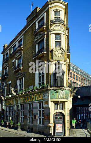 London, United Kingdom - January 19th 2016: Traditional pub - The Black Friar - at Blackfriars bridge - Stock Photo