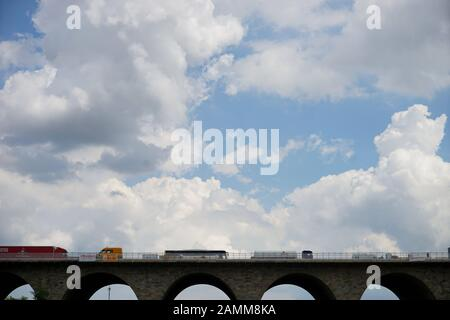 The listed Holledau motorway bridge spans a valley near Geisenhausen and crosses the A9 motorway. [automated translation] - Stock Photo