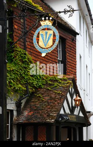 Sign of the Leicester Arms, a historic 16th century hotel and public house, Penshurst, Kent, England - Stock Photo