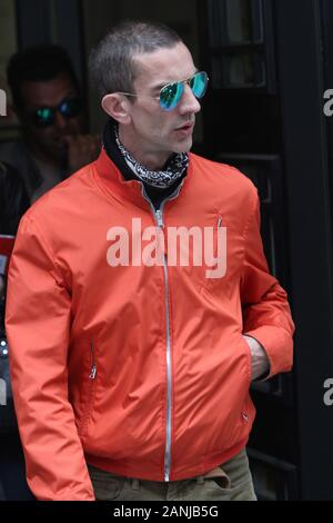 Richard Ashcroft Green Reflective RayBans Picturesd in London 20/05/2016  (credit image©Jack Ludlam) - Stock Photo
