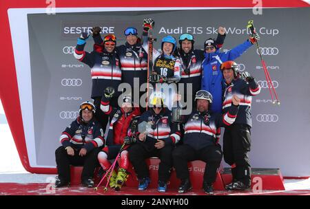 Sestriere, Italy. 19th Jan, 2020. team france during SKI World Cup - Parallel Giant Slalom Women, Ski in Sestriere, Italy, January 19 2020 Credit: Independent Photo Agency/Alamy Live News - Stock Photo