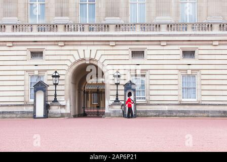 Changing of the Guard, Buckingham Palace, London, England, UK