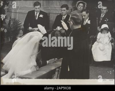 The blessing of marriage by prof. dr. H. Berkhof Date: January 10, 1967 Location: The Hague, South-Holland Keywords: marriages, churches, royal house, princesses, town halls Personal name: Berkhof H., Margriet, princess, Vollenhoven, Pieter van - Stock Photo