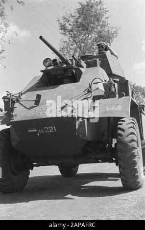 Action Cheribon Description: Cheribon: a Humber of the 6th Squadron Armoured cars in action during the advance to Cheribon Date: 26 July 1947 Location: Cheribon, Indonesia, Java, Dutch East Indies - Stock Photo