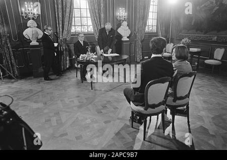 Wedding declaration of Princess Christina and Jorge Guillermo in the City Hall in The Hague Description: Marriage declaration by Princess Christina and Jorge Guillermo Date: June 18, 1975 Location: The Hague, Zuid-Holland Keywords: marriages, princesses, town halls Personal name: Christina, princess, Guillermo, Jorge - Stock Photo
