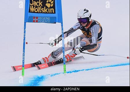 Sestriere, Italy. 19th Jan, 2020. Sestriere, Italy, 19 Jan 2020, lysdahl kristin (nor) during SKY World Cup - Parallel Giant Slalom Women - Ski - Credit: LM/Danilo Vigo Credit: Danilo Vigo/LPS/ZUMA Wire/Alamy Live News - Stock Photo