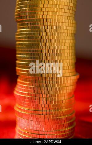 Ein Stapel Goldmünzen (Wiener Philharmoniker) - A Pile of Gold Coins (Wiener Philharmoniker) - Stock Photo