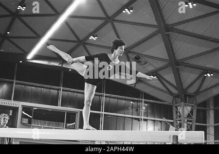 Women S Urnen Netherlands Vs Austria In Expohal At Hilversum Date 29 October 1961 Location Hilversum Keywords Gymnastics Stock Photo Alamy