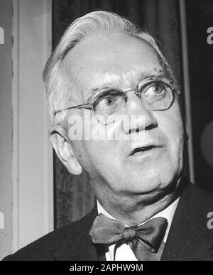 ALEXANDER FLEMING  (1881-1955) Scottish biologist, pharmacologist,  about 1946 - Stock Photo