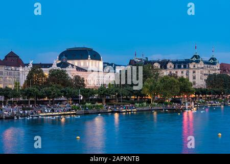 Schweiz, Kanton Zürich, Zürich, Zürichsee, Utoquai, Opernhaus, Oper - Stock Photo