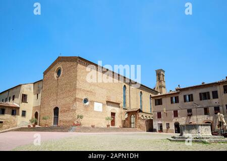 Chiesa di Sant'Agostino / Sant'Agostino Church, the second largest church in San Gimignano, Italy. - Stock Photo
