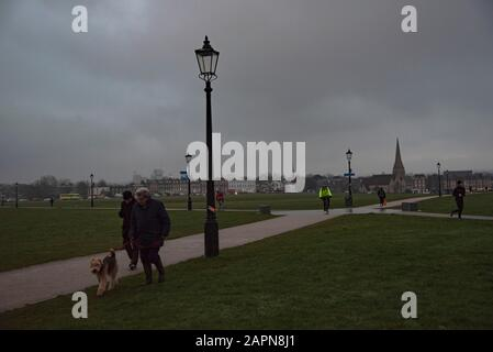 London, UK. 24th Jan, 2020. Low cloud and drizzle in Blackheath South- East London. Credit: claire doherty/Alamy Live News - Stock Photo