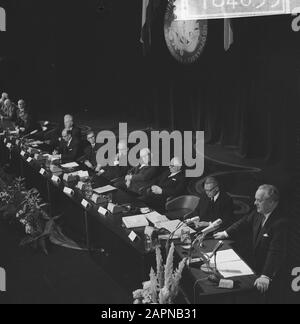 Extraordinary general meeting of the Dutch-German Chamber of Commerce on the occasion of the sixtieth anniversary  Overview of attendees Date: 18 November 1965 Keywords: international relations, anniversaries, meetings Institution name: Chamber of Commerce