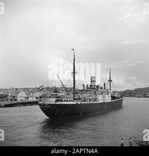 Travel to Suriname and the Netherlands Antilles  The cargo ship Boskoop from Amsterdam in the port of Willemstad on Curaçao Date: 1947 Location: Curaçao, Willemstad Keywords: ports, cargo ships Institution name: KNSM - Stock Photo
