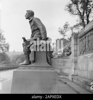 Scotland - Townscape Edinburgh  Scottish-American War Memorial in West Princes Street Garden Date: 1934 Location: Edinburgh, Great Britain, Scotland Keywords: sculptures, monuments - Stock Photo