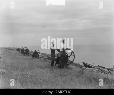 t Horntje on Texel is strengthened against the sea Date: August 10, 1950 Location: Noord-Holland, Texel Keywords: SEEEN - Stock Photo