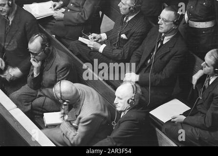 Process Nuremberg. Defended; with glasses Arthur Seyss-Inquart, right next to him Albert Speer Date: 4 December 1945 Location: Germany, Nuremberg Keywords: war criminals, trials, justice, World War II Personal name: Seyss-Inquart, Arthur, Spear, Albert - Stock Photo