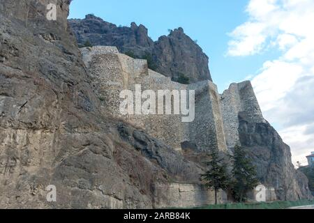 Osmancık (Kandiber) Castle is built on the north side of Kizilırmak, on the natural rock cliffs which lie in east-West direction. - Stock Photo