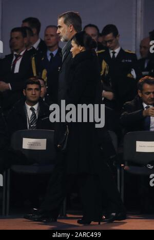 Oswiecim, Poland. 27th Jan, 2020. Spain's Queen Letizia (R) and King Felipe VI (L) attend the main commemoration ceremony at former Auschwitz II-Birkenau camp during ceremonies marking the 75th anniversary of the liberation of the former Nazi-German concentration and extermination camp KL Auschwitz-Birkenau, in Oswiecim, Poland, 27 January 2020. Credit: EFE News Agency/Alamy Live News Stock Photo