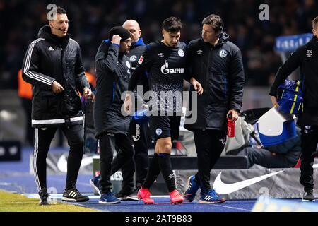 firo: 31.01.2020, Fuvuball, 1.Bundesliga, season 2019/2020, Hertha BSC Berlin - FC Schalke 04 Suat Serdar (FC Schalke 04) after his injury.   usage worldwide - Stock Photo
