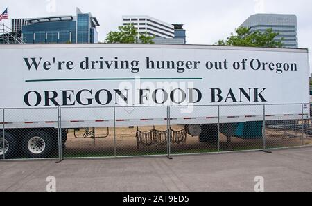 Portland, OR USA June 29, 2016:  Oregon food bank in downtown Portland Oregon sets up to assist the homeless and poor in the area. - Stock Photo