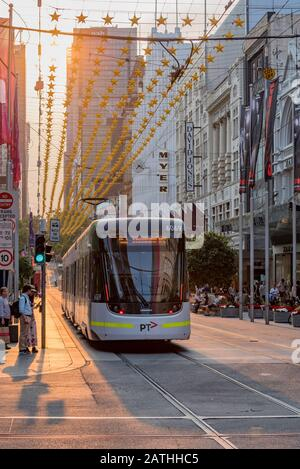Melbourne, Australia Dec 20th, 2019: Looking up Bourke St from Swanson St, the streets are filled with smoke haze from the New South Wales bushfires. - Stock Photo