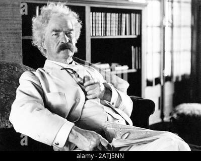 Vintage portrait photo of American writer and humourist Samuel Langhorne Clemens (1835 – 1910), better known by his pen name of Mark Twain. Photo circa 1905. - Stock Photo