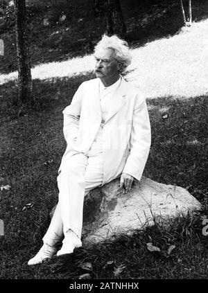 Vintage portrait photo of American writer and humourist Samuel Langhorne Clemens (1835 – 1910), better known by his pen name of Mark Twain. Photo circa 1907 by Underwood & Underwood. - Stock Photo