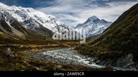 A view along the Hooker Valley floor, on the trail that leads to Aoraki, Mount Cook in New Zealand.