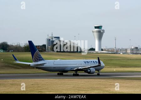 United Airlines Boeing 767-322 taking off at Birmingham Airport, UK (N671UA) - Stock Photo