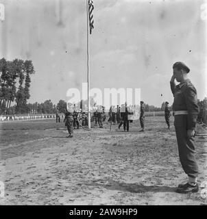 Liberation Festivals: Son (Noord-Brabant)  Wreath laying at the Amer U.S. cemetery in Son (North Brabant) at the American Independence [Independence Day] by War Minister J. Meynen Annotation on the photo to see some British soldiers Date: July 4, 1945 Location: Noord-Brabant, Son en Breugel Keywords: cemeteries, laying of wreaths, soldiers, ministers Person Name: Meijnen, W. - Stock Photo
