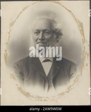 Deli Company: Group portraits and portraits  Peter Wilhelm Janssen (1821-1903), founder Deli Company Director 1869/1898) Keywords: portraits Person Name: Janssen, P. W. - Stock Photo