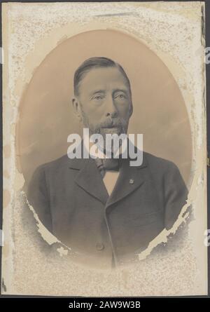 Deli Company: Group portraits and portraits description: Portrait of Jacob Nienhuys (1836-1929) (founder Deli Company) Date: 1869 Person Name: Nienhuys J. - Stock Photo