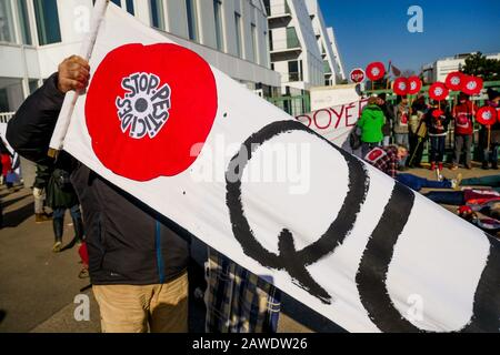 'Nous Voulons des  Coquelicots' activists protest against protest againts the use of SDHI pesticides, Lyon Gerland, France) - Stock Photo