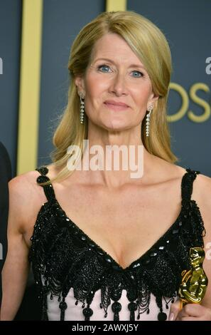 Los Angeles, USA. 9th Feb, 2020. Laura Dern poses in the press room during the 92nd Annual Academy Awards at Hollywood and Highland on February 09, 2020 in Hollywood, California Credit: Tsuni/USA/Alamy Live News - Stock Photo
