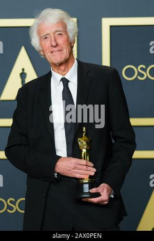 Hollywood, California, USA. 9th Feb, 2020. Dolby Theatre at the Hollywood & Highland Center, Hollywood, UK. 9th Feb, 2020. Roger Deakins poses with the Oscar for Cinematography in the film 1917 during the the 92nd Academy Awards, 2020 . Picture by Credit: Julie Edwards/Alamy Live News - Stock Photo