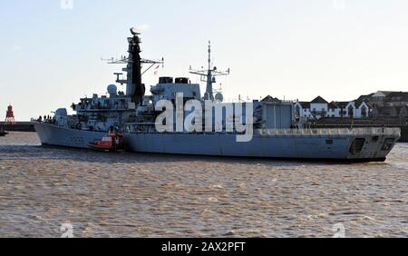 AJAXNETPHOTO. 10TH FEBRUARY, 2020. PORT OF TYNE, ENGLAND. - FRIGATE DEPARTS - TYPE 23 FRIGATE HMS NORTHUMBRLAND DEPARTS TYNESIDE AFTER A GOODWILL VISIT. DEPARTURE SCHEDULED FOR SUNDAY 9TH FEB WAS DELAYED DUE STORM CIARA.PHOTO:TONY HOLLAND/AJAXREF:DTH201002_38485 - Stock Photo
