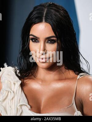 BEVERLY HILLS, LOS ANGELES, CALIFORNIA, USA - FEBRUARY 09: Kim Kardashian West arrives at the 2020 Vanity Fair Oscar Party held at the Wallis Annenberg Center for the Performing Arts on February 9, 2020 in Beverly Hills, Los Angeles, California, United States. (Photo by Xavier Collin/Image Press Agency) - Stock Photo