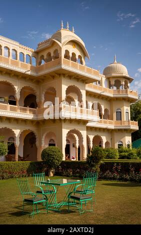 India, Rajasthan, Ranthambhore, Khilchipur, Ranthambhore Heritage Haveli, hotel built in traditional style - Stock Photo