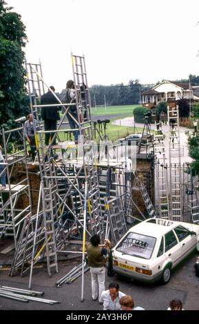 'Fleet Street' Press pack with ladders assemble at Prince William's school sports day Richmond 1995. The Wetherby sports day was attended by HRH Princ - Stock Photo