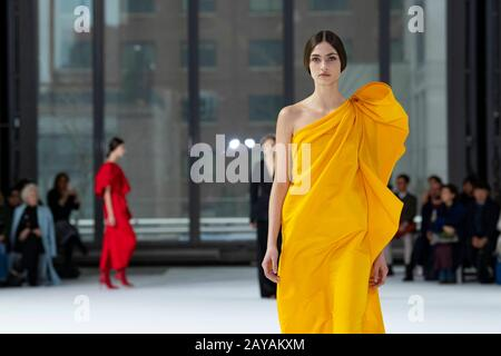 New York, USA. 10th Feb, 2020. Carolina Herrera FW20 Runway during New York Fashion Week February 2020 - New York, USA 10/02/2020 Credit: dpa/Alamy Live News - Stock Photo