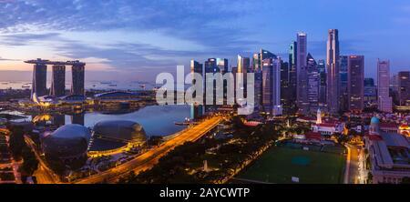 SINGAPORE - APRIL 16: Singapore city skyline and Marina Bay on April 16, 2016 in Singapore