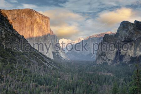 Dramatic sunset over Yosemite Valley from Tunnel View. - Stock Photo